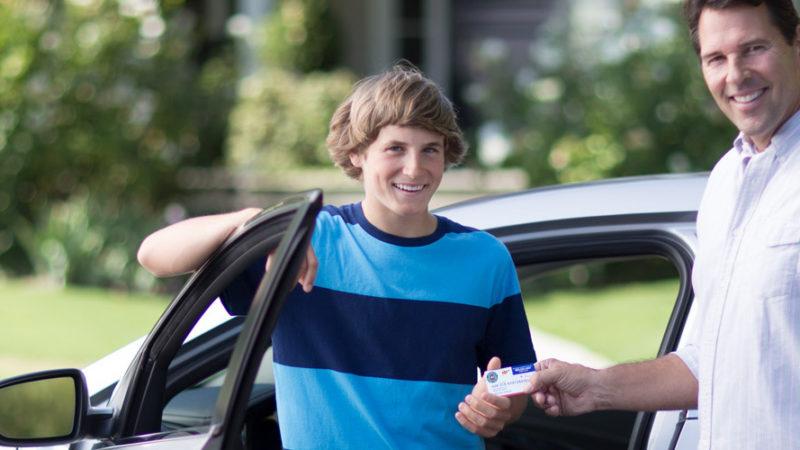 مردم آمریکا رانندگی جوانان را خطرناک تر از حمل و بکار گیری سلاح می دانند