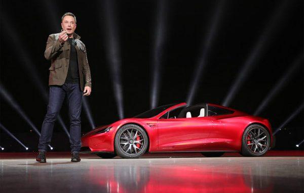 ایلان ماسک: تسلا رودستر تمامی سوپر اتومبیل های بنزینی را شکست خواهد داد